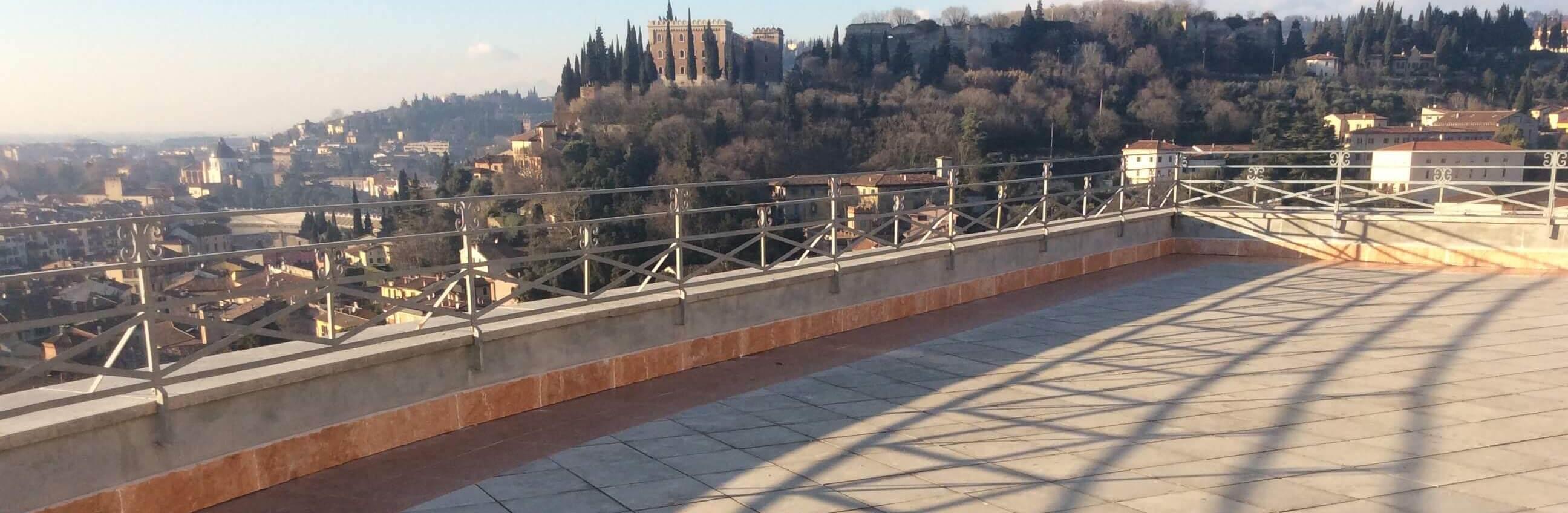 terrazza panoramica con pavimentazione galleggiante