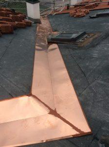 rifacimento in lamiera compluvio copertura ventilata a falde inclinate