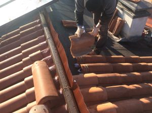 rifacimento linea colmo di tetto a falde inclinate